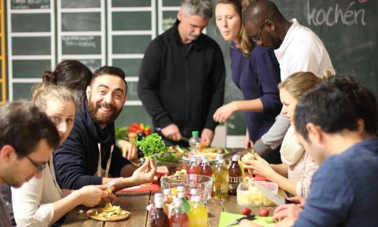 Sense of hummus … the Über den Tellerrand (Beyond the Plate) cooking group in Berlin